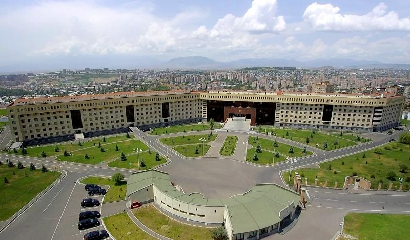 ՊՆ-ն՝ ադրբեջանցիների կողմից Գորիսի զորամասի շտաբի պետի քիթը կոտրելու լուրերի մասին